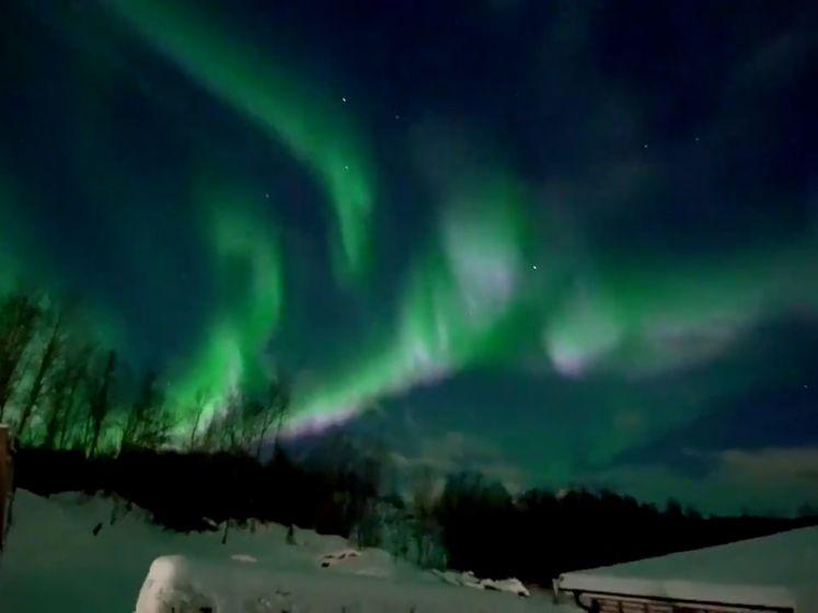 Deze beelden tonen prachtig noorderlicht boven Alaska