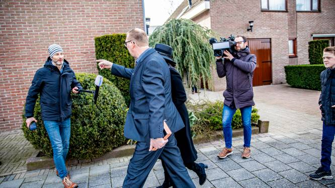 Grimmige kerkgang op Urk: verslaggevers aangevallen. 'Hij gaf gewoon extra gas'