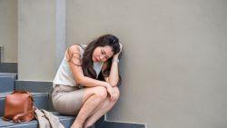 Stiekem huilen in de voorraadkast: wat doe je met emoties op het werk?