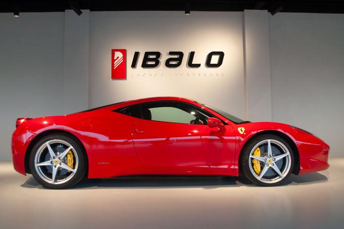 De winnaar van de loterij kan ook kiezen voor deze Ferrari.