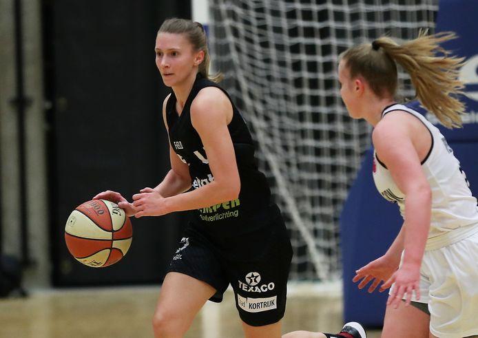 Lisa Foucart (l.) speelde opnieuw een sterke partij voor de Spurs. Ze scoorde elf punten en was daarmee topschutter.