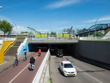 Van Karnebeektunnel in Zwolle in twee richtingen open voor auto's