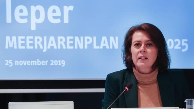 """Stadsbestuur stelt ambitieuze meerjarenplanning voor: """"We gaan 60 miljoen euro investeren in Ieper en de deelgemeenten"""""""