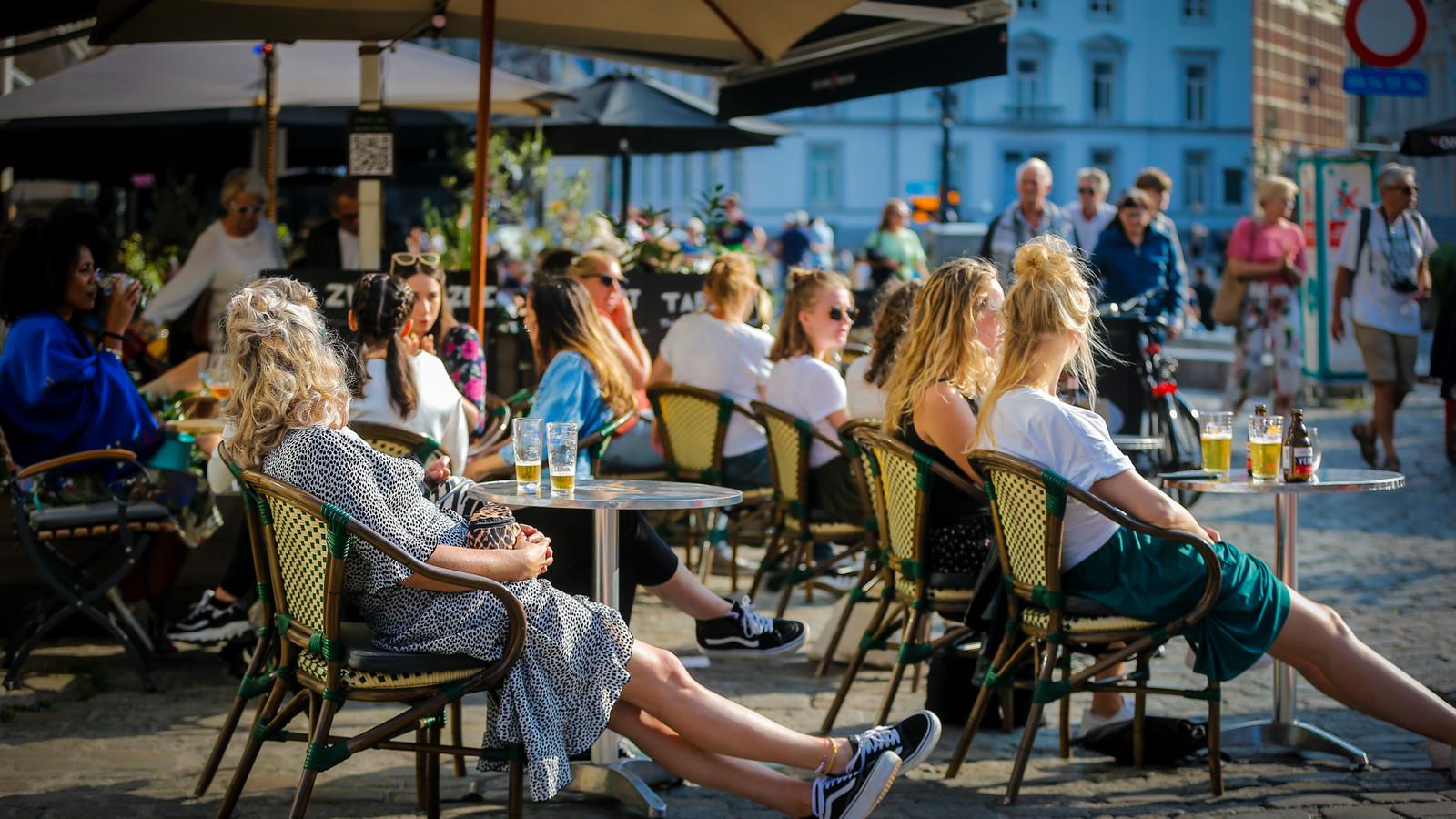 Archiefbeeld: Zitten we deze zomer opnieuw in de zon op terras?