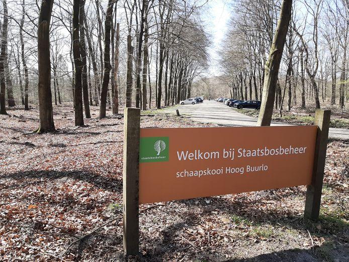 De parkeerplaats bij de schaapskooi van Hoog Buurlo.