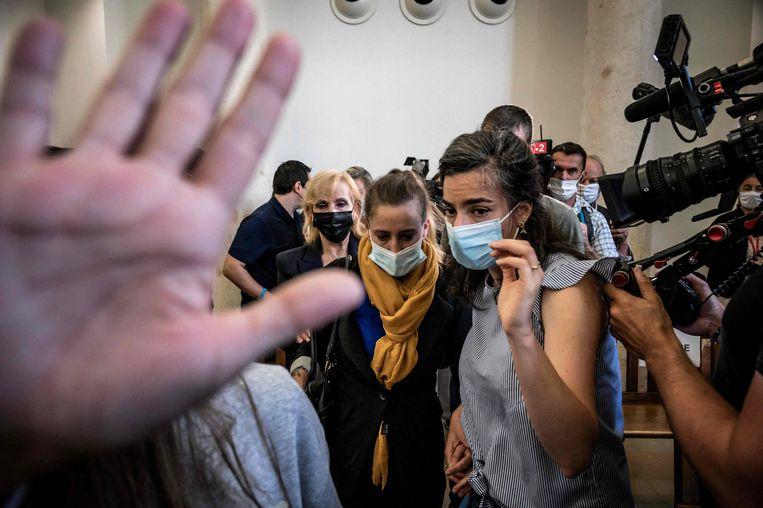 Valérie Bacot (met oranje sjaal) tijdens haar proces deze week. Beeld AFP