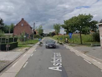 Jonge fietsster aangereden op oversteekplaats