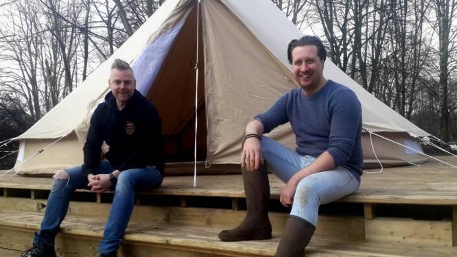 """Luxueus overnachten in de Kempense natuur? Het kan straks bij Ark Glamping: """"Elke tent staat op uniek houten platform aan de rand van de vijver"""""""