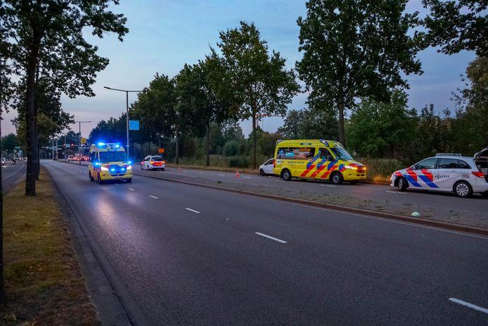 Het onderzoek van de politie richt zich op de witte auto die Ringweg Kruiskamp staat.