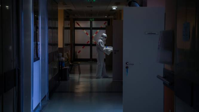 OVERZICHT. Bijna 3.000 patiënten in ziekenhuis, aantal overlijdens daalt licht