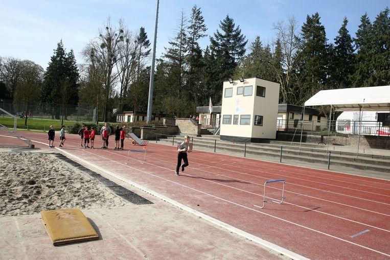 Atletiekclub Olympic Essenbeek Halle hoopt vooral de piste (foto) eindelijk eens vernieuwd kan worden.
