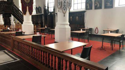 """""""Eerste blokspot in onze gemeente"""": studenten kunnen blokken in kerk van Kemzeke"""