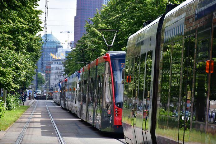 Trams staan stil door korte stroomstoring in Den Haag