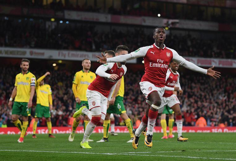 Eddie Nketiah viert zijn eerste goal voor Arsenal.