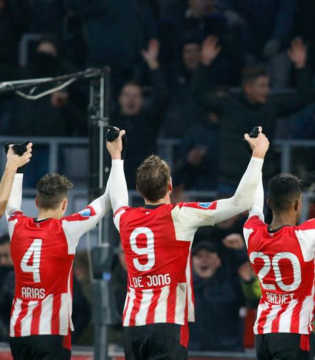 PSV verbiedt roken volgend jaar ook in het Philips Stadion