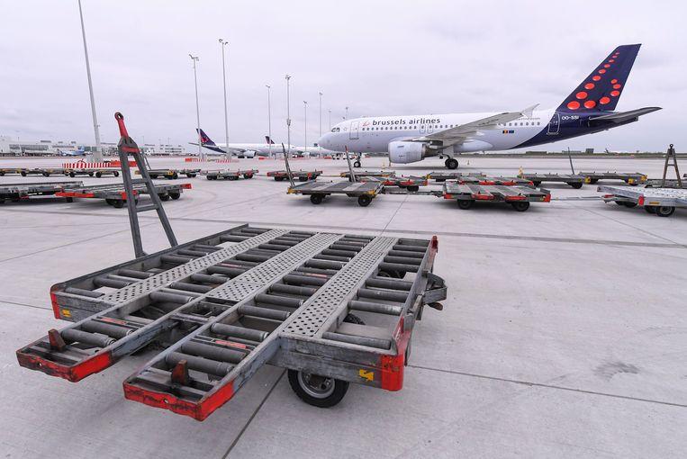 De toestellen van Brussels Airlines blijven nog minstens 19 april aan de grond. Beeld Photo News