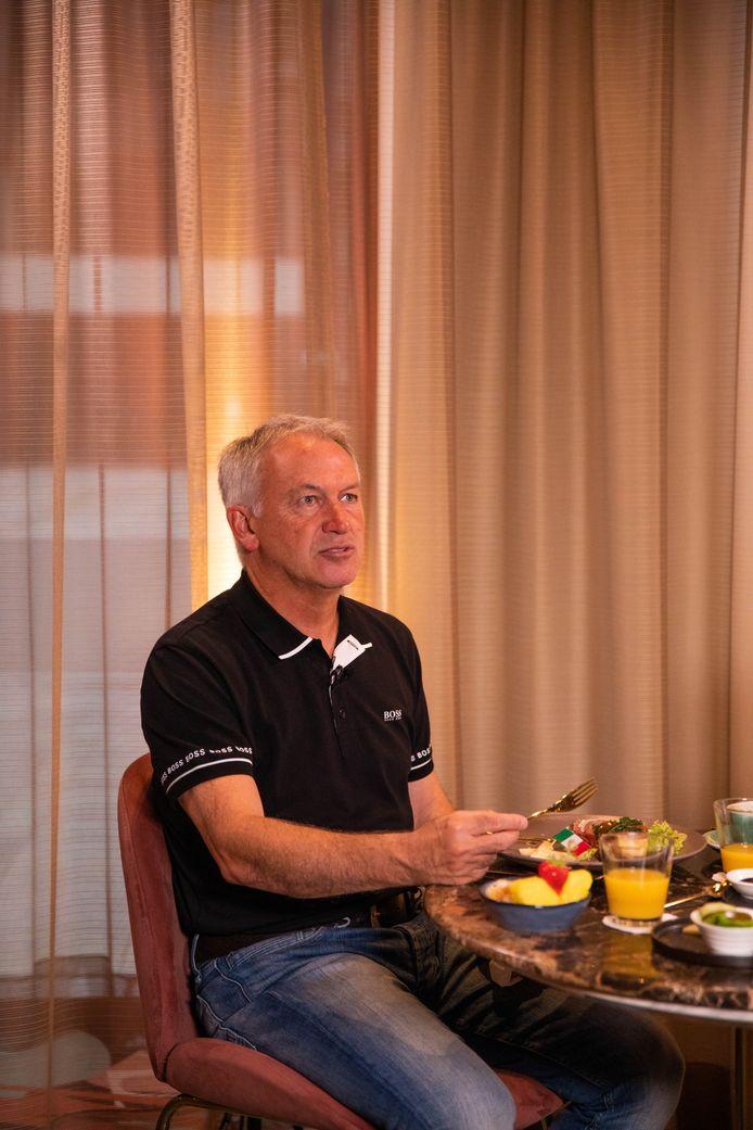 Marc Degryse tijdens het ontbijt.