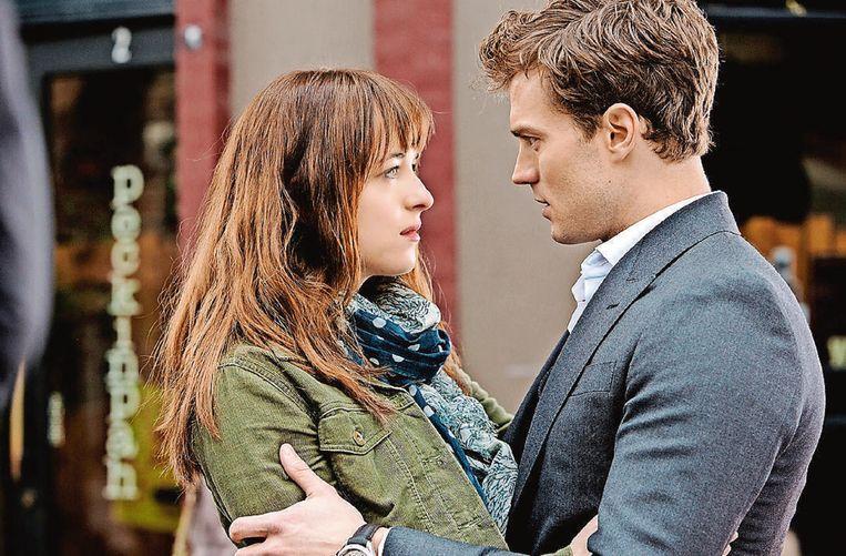 Dornan met Dakota Johnson in 'Fifty Shades of Grey'. Beeld rv