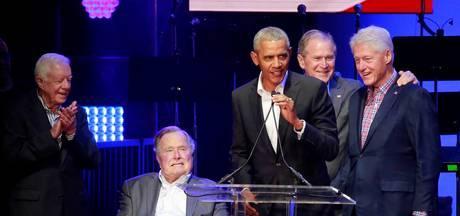 Vijf oud-presidenten Verenigde Staten samen op het podium
