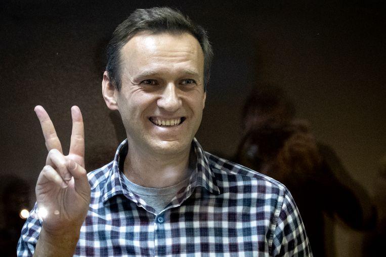 Kremlin-criticus Alexej Navalny in het beklaagdenbankje bij een rechtbank, zaterdag in Moskou. Beeld AP