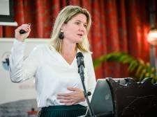 Vanwege haar hulp voor gestrande zeelieden is Annet Koster uitgeroepen tot Havenvrouw van het Jaar