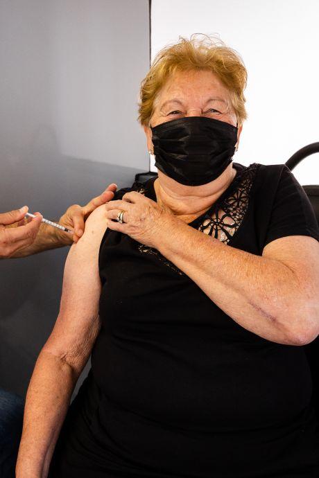 Ria (76) zet prik tegen haar zin: 'Anders kan ik werkelijk geen kant meer uit'