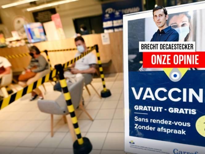 ONZE OPINIE. Iedereen met een vaccin heeft zijn verantwoordelijkheid genomen in de strijd tegen het virus, nu moét de rest overtuigd of verplicht worden hetzelfde te doen