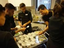 Tilburg: via Sarban 15 vluchtelingen naar baan