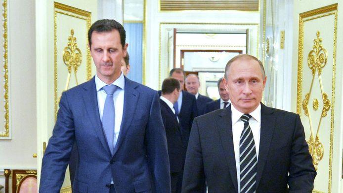 De Syrische president Bashar al-Assad (links) bezocht zijn Russische collega Vladimir Poetin op 20 oktober in Moskou.