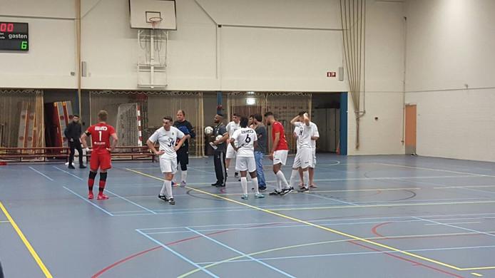 Groene Ster Vlissingen 2 wacht na de nederlaag van vrijdag nog één kans op promotie naar de eerste divisie.