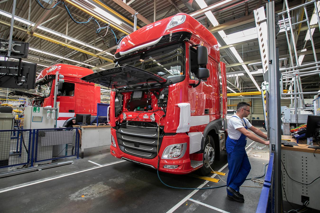 De truckassemblagefabriek van DAF Trucks in Eindhoven.