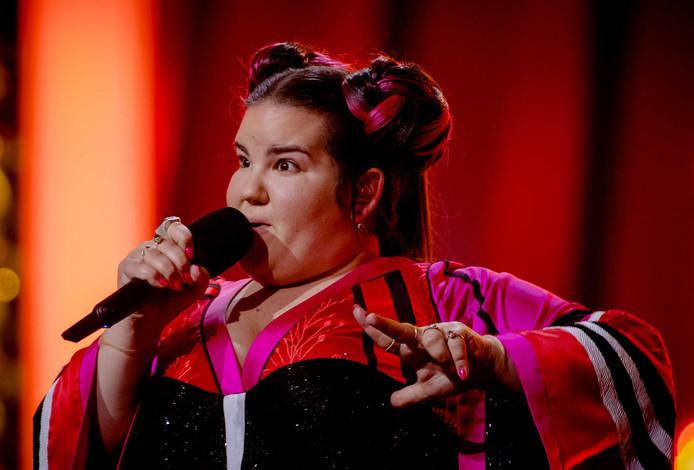2018-05-11 15:22:00 LISSABON - Netta Barzilai uit Israel tijdens de dress rehearsal voor het Eurovisiesongfestival. De zangeres wist met haar nummer Toy de finale van het liedjesfestijn in Lissabon te bereiken. ANP KIPPA SANDER KONING