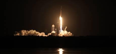SpaceX-raket met vier astronauten gelanceerd richting ruimtestation ISS