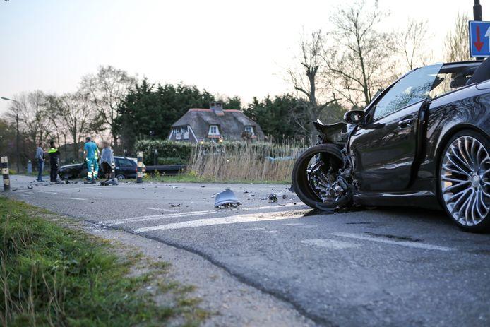 Ongeluk op de Ringdijk Tweede Bedijking in Mijdrecht.