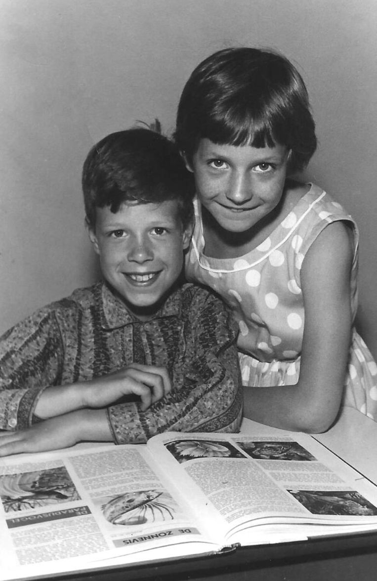 Liesbeth en haar broer Rob. Beeld