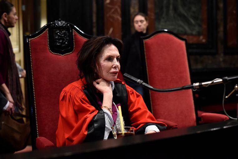 Karin Gérard zat, twee dagen na het incident waarbij ze gewond raakte, al opnieuw een assisenproces voor.