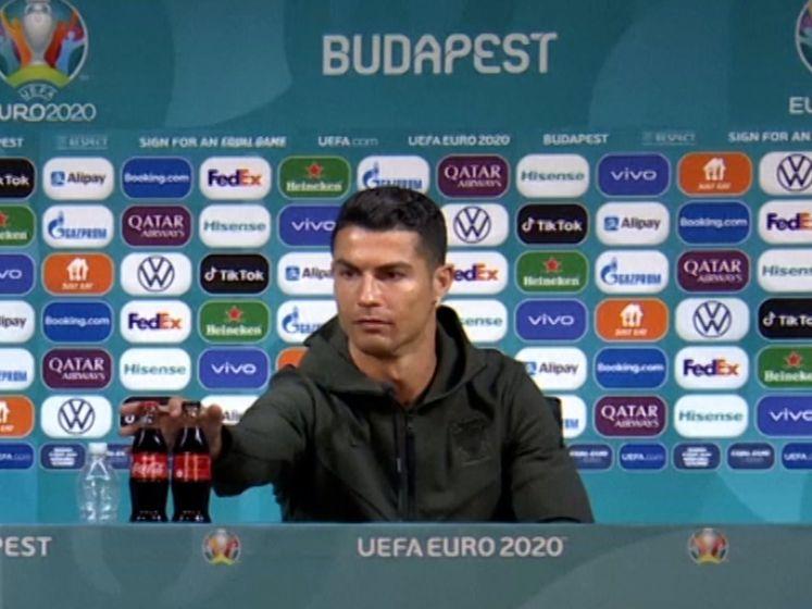 Ronaldo verwijdert flesjes van EK-sponsor Coca-Cola