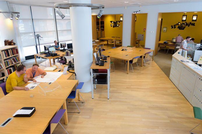 De leeszaal van het Regionaal Historisch Centrum Eindhoven.