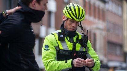 """Antwerpse agenten filmen interventies voortaan met bodycams: """"Opgefokte mensen nemen meteen gas terug"""""""