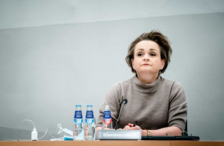 Demissionair staatssecretaris Alexandra van Huffelen (Toeslagen) tijdens een commissiedebat over de hersteloperatie van de toeslagenaffaire. Beeld ANP, Bart Maat
