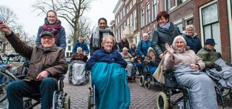 Politieke actie tegen korten op bijstand in Amersfoort: 'het sociale gezicht wordt afgebroken'