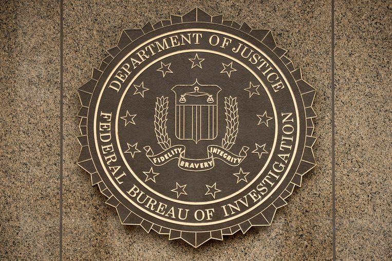 Het logo van de FBI op het J. Edgar Hoover FBI Building in Washington. Beeld EPA