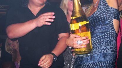 Playboy-miljardair die nog met Paris Hilton datete van de aardbol verdwenen (samen met paar miljard dollar)