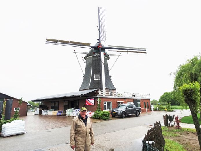 Vrijwillig molenaar Johan Assink.
