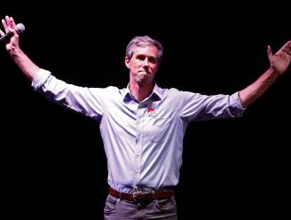 """Democratische hoop en politieke rocker Beto O'Rourke blijft zichzelf in verliezersspeech: """"Ik ben zo fucking trots op jullie"""""""