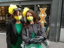 Mondkapje in groen en geel