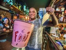 Café Vondel houdt vast aan Zwarte Piet en wil desnoods feestend en 'strijdend' ten onder gaan