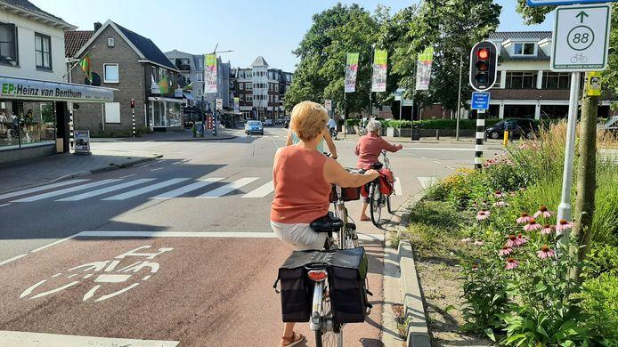 De stoplichten in het centrum van Groesbeek waren weer eens aan.