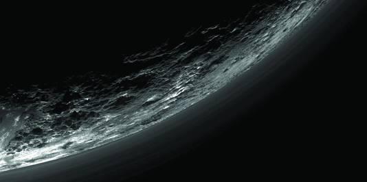 New Horizons schoot unieke beelden van Pluto.