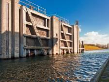 Brouwershaven krijgt loopbrug over haven terug